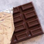 髪に着いたガムはチョコレートで溶けます。